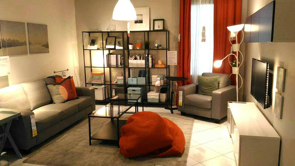 Dekorasi ruang tamu moden menggunakan barang ikea sepenuhnya