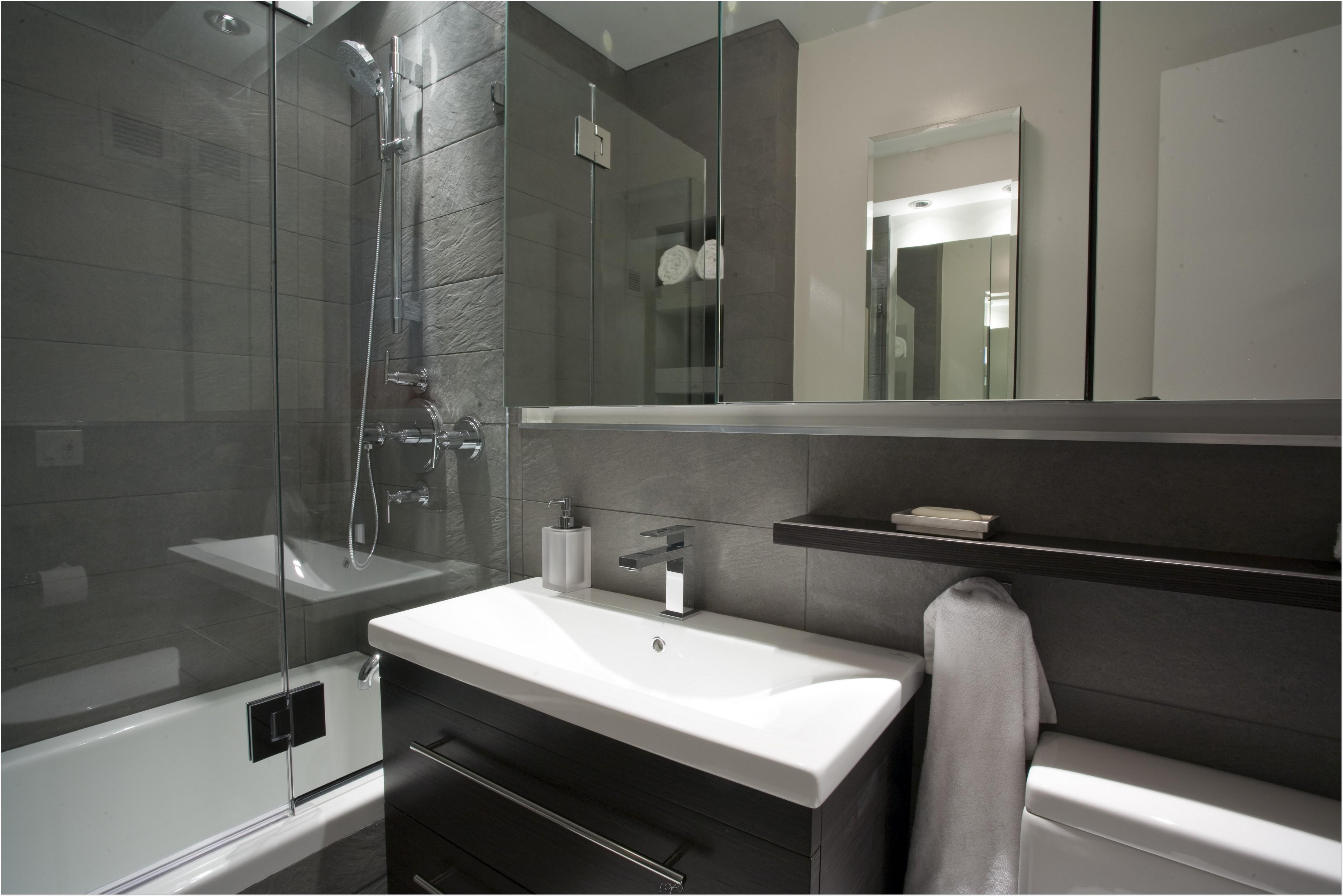 Design bilik air kecil dengan hiasan dalaman menarik