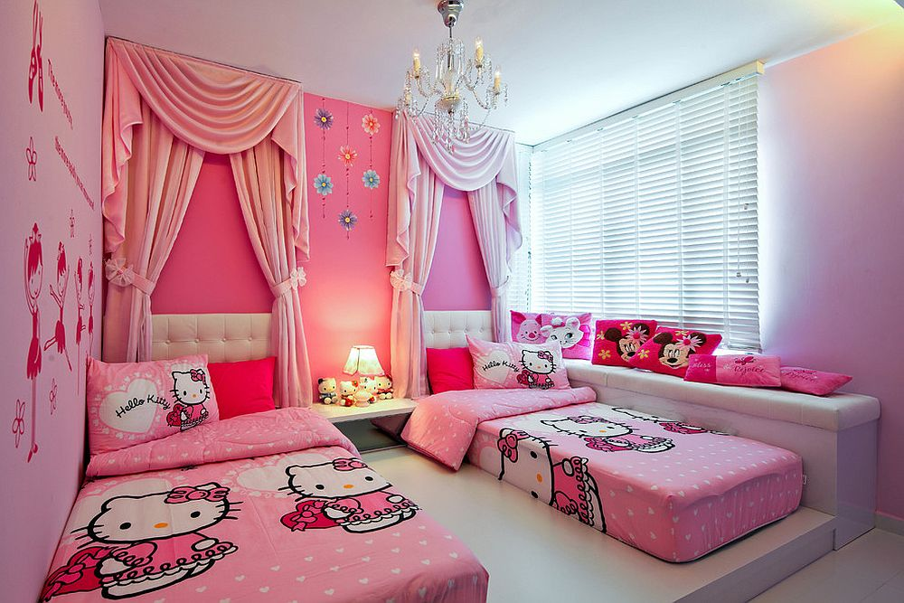 View In Gallery Gabungan Dekorasi Hello Kitty Dengan Watak Disney
