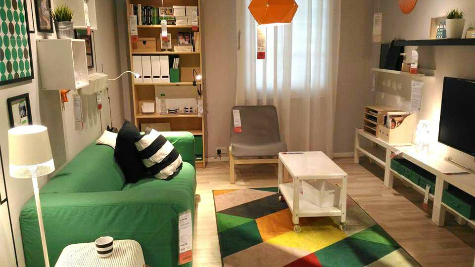 View In Gallery Guna Perabot Ikea Sepenuhnya Untuk Hasilkan Dekorasi Yang Sempurna Ini