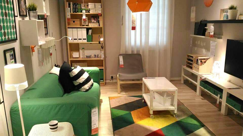 Idea Hiasan Dalaman Ruang Tamu Kontemporari View In Gallery Guna Perabot Ikea Sepenuhnya Untuk Hasilkan Dekorasi Yang Sempurna Ini