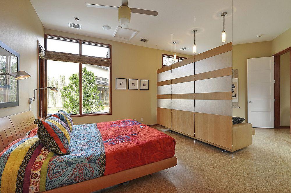 View In Gallery Hiasan Bilik Kontemporari Dengan Panel Tirai