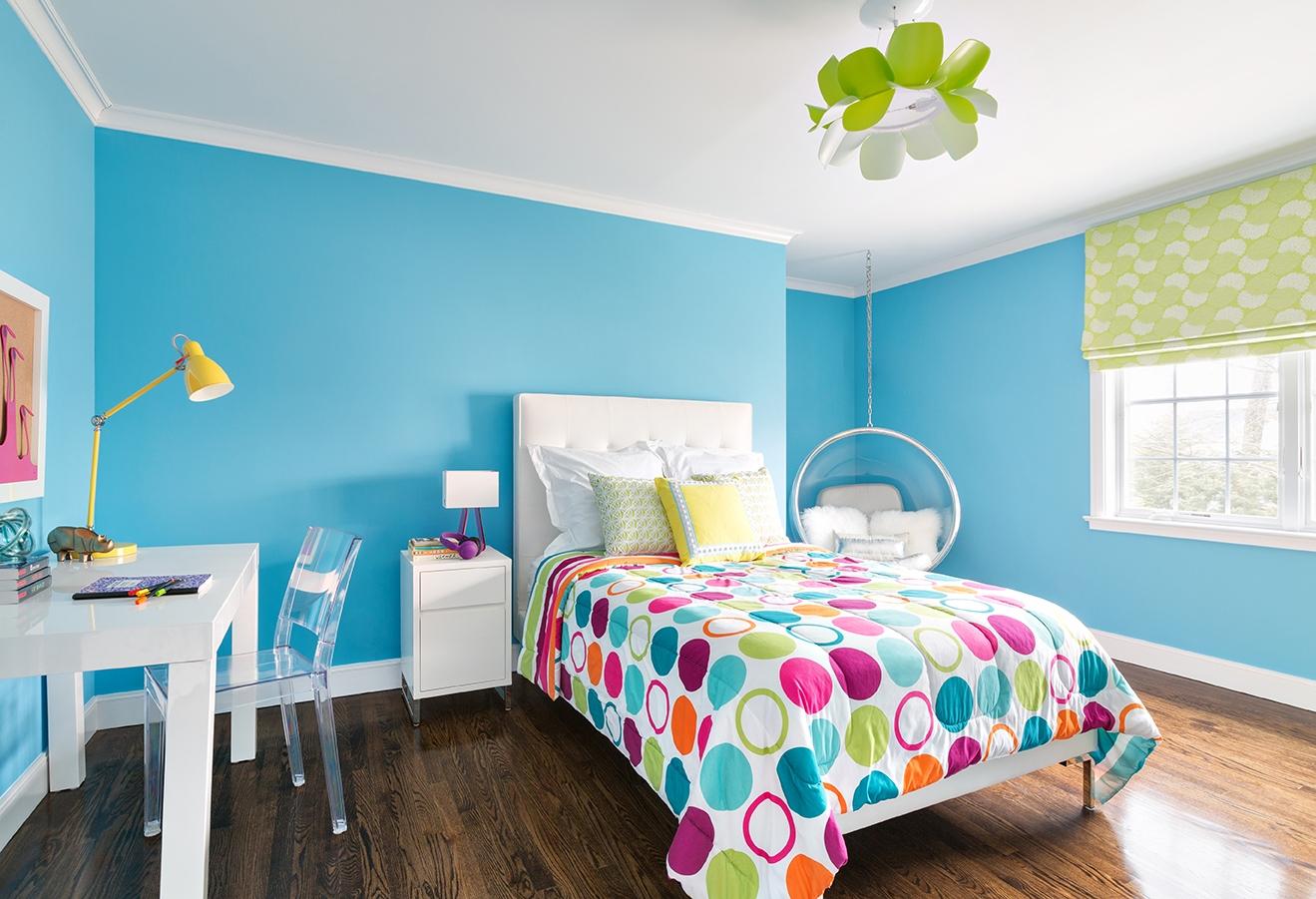 Hiasan bilik tidur moden untuk anak perempuan