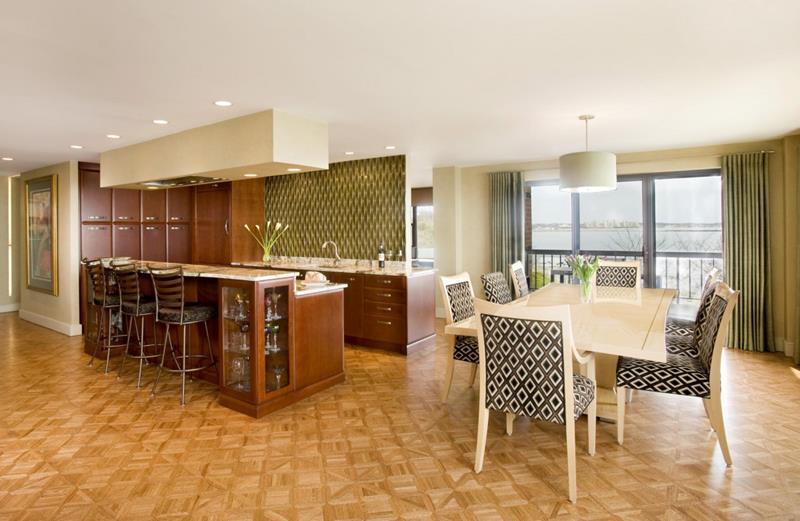 Konsep dapur terbuka ini menggunakan pattern menarik untuk menjadikan ruang lebih dinamik