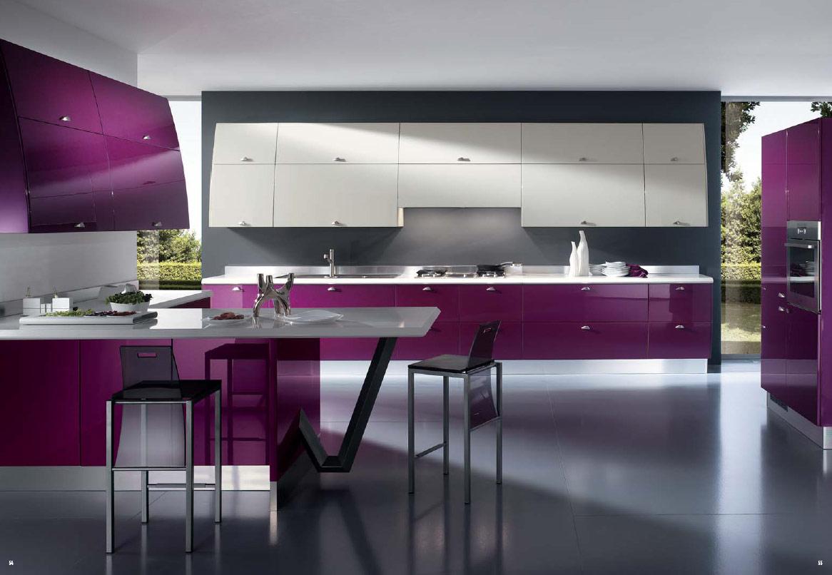 kabinet dapur moden dengan pintu kabinet purple menjadikan ruang lebih awesome