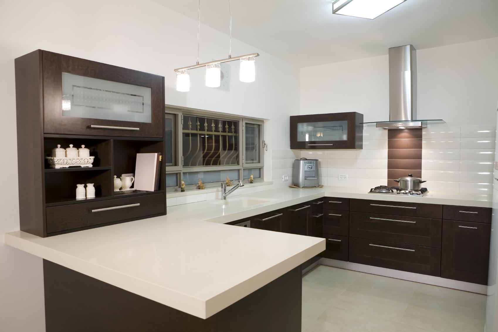 Model ruang dapur sederhana besar konsep moden dengan tabletop putih mewah