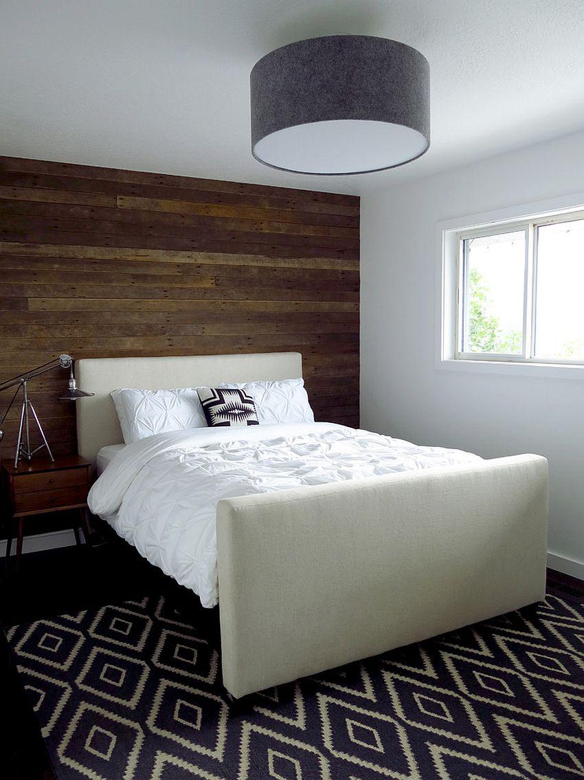Bilik tidur kontemporari dilengkapi dengan dinding papan