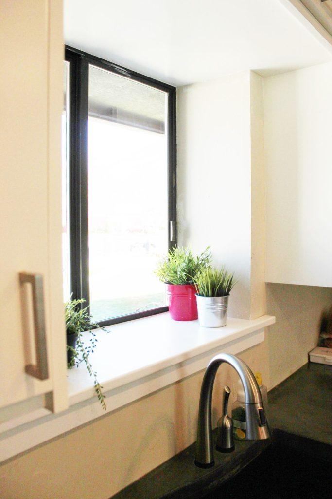 View In Gallery Cara Hias Dapur Tanpa Bazirkan Ruang