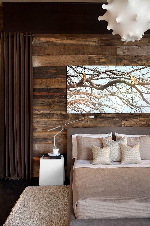 Dekorasi rustic menggunakan kayu dalam bilik tidur yang kontemporari
