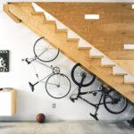 11 Cara Yang Bijak Untuk Hias Tangga Rumah