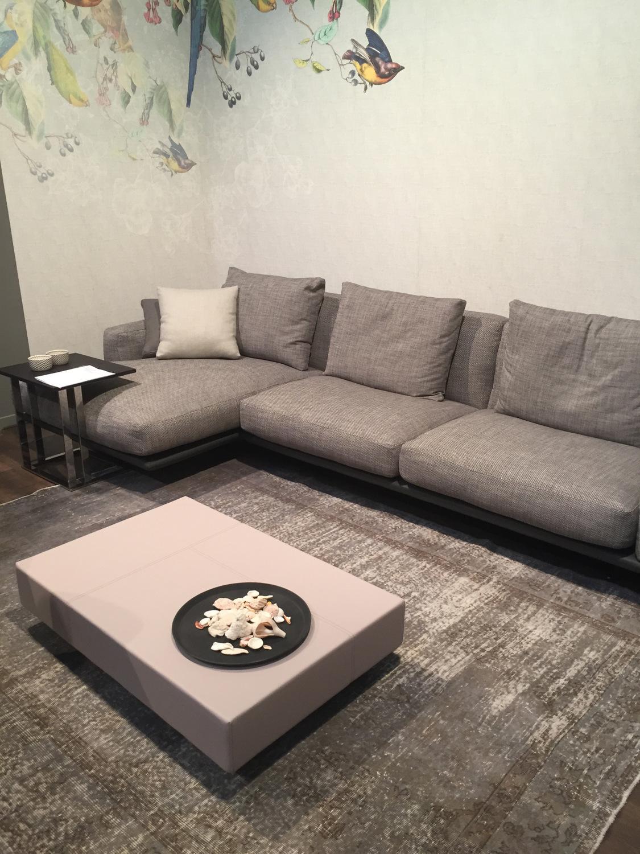 Cara Hiasan Meja Kopi Ruang Tamu Moden Pemilihan Set Sofa