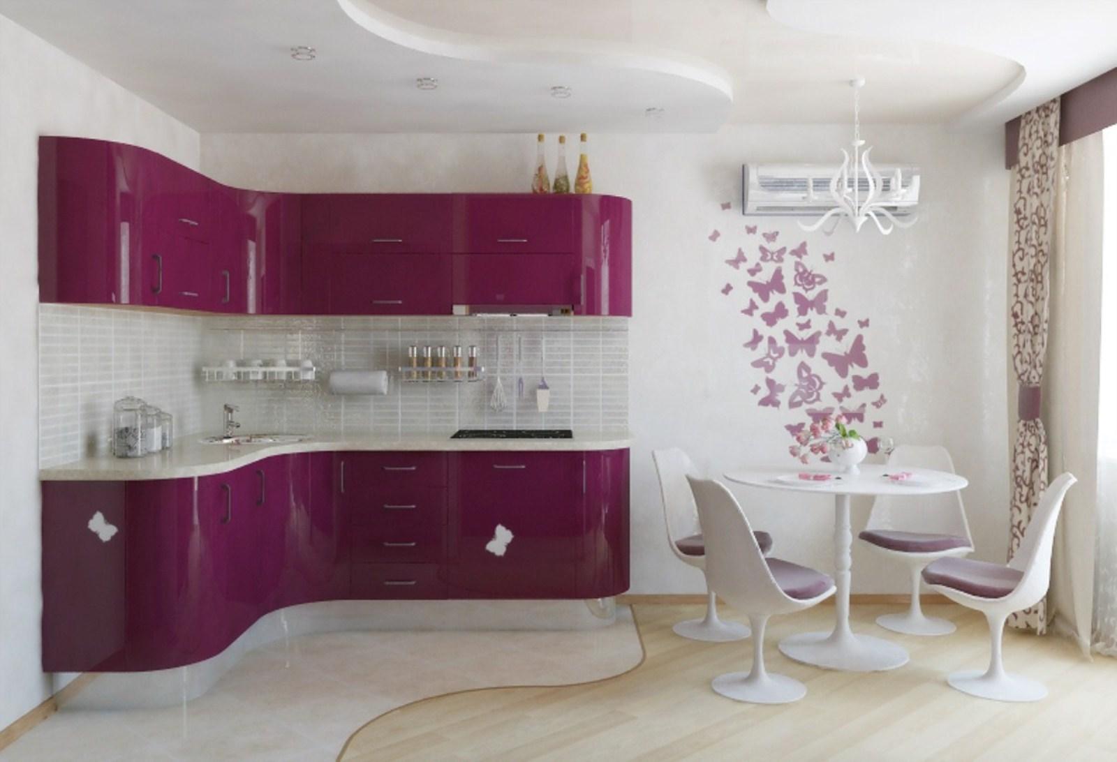 View In Gallery Kabinet Dapur Purple Dan Hiasan Dinding Dengan Rama Kertas Menjadikan Ruang Lebih Ceria