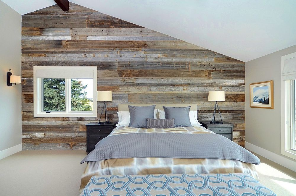 Kemas dan bergaya bilik tidur kontemporari yang menggunakan dinding papan