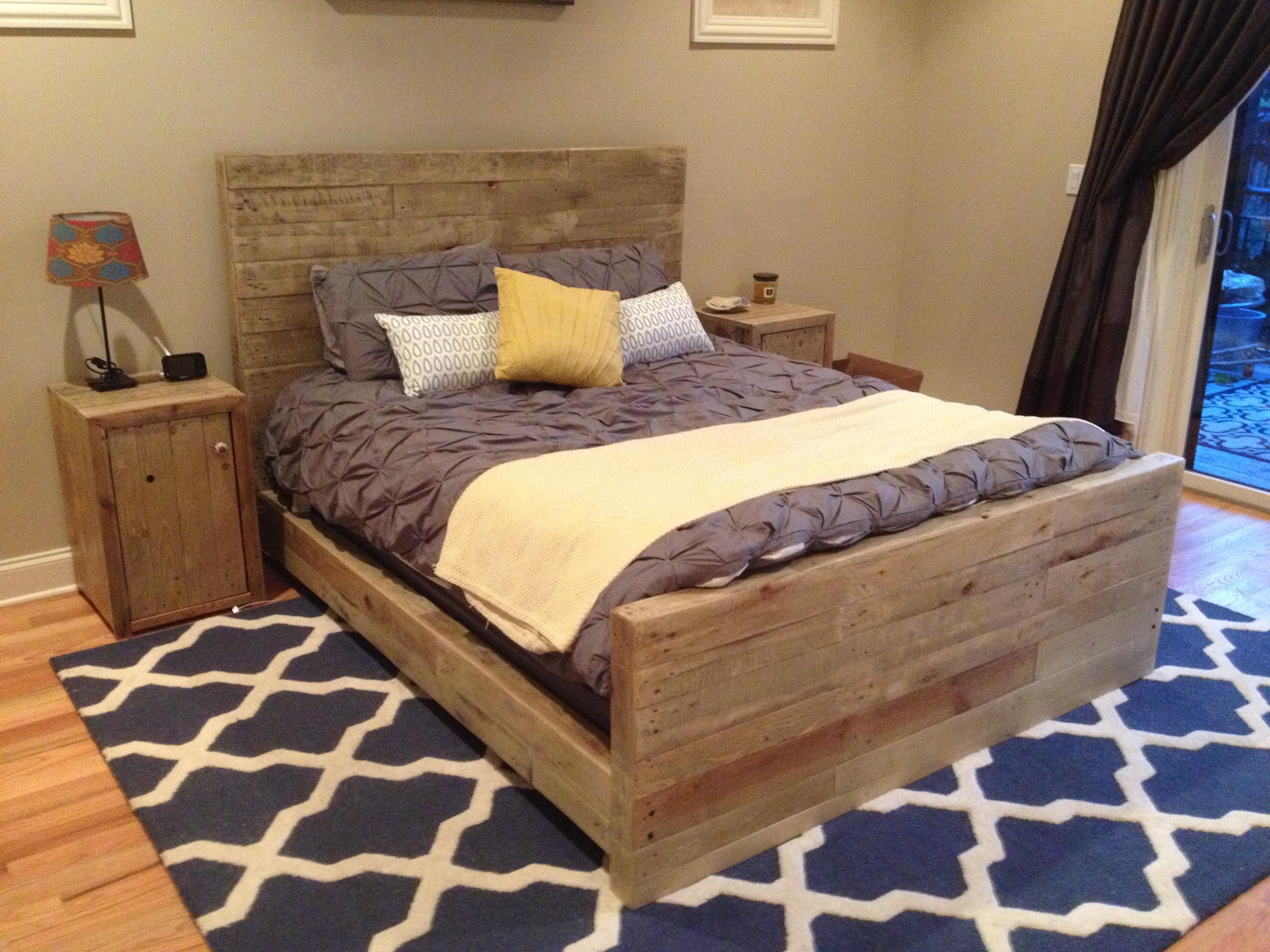 Buat Sendiri Perabot Bilik Tidur Dengan Pallet Rekaan Katil Dan Meja Sisi