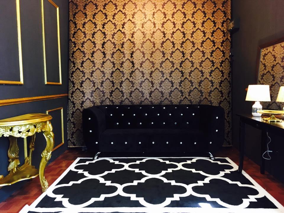 View In Gallery Diy Wainscoting Guna Panel Kayu Untuk Dinding