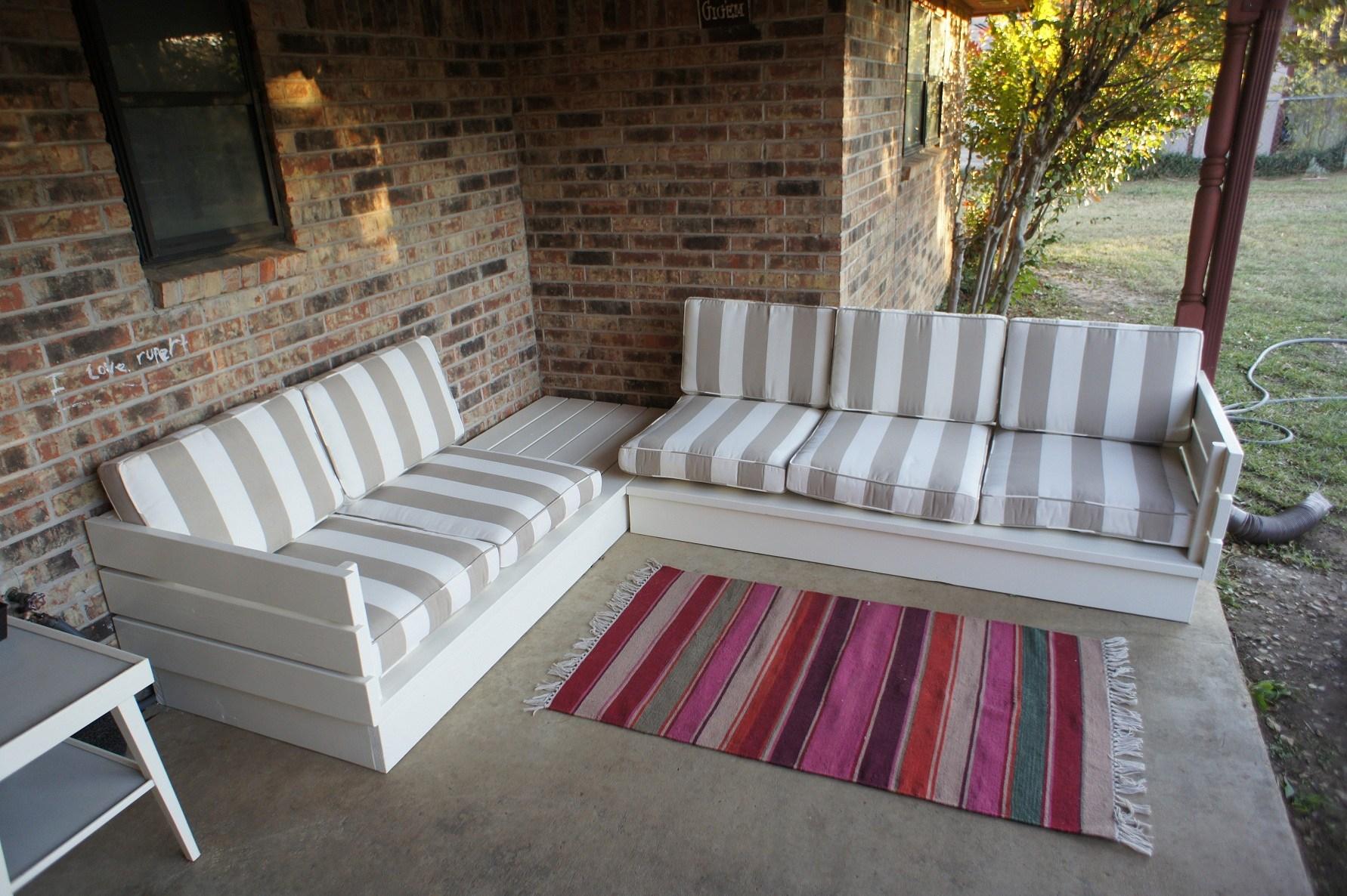 Diy pallet sofa set putih untuk perabot luar rumah