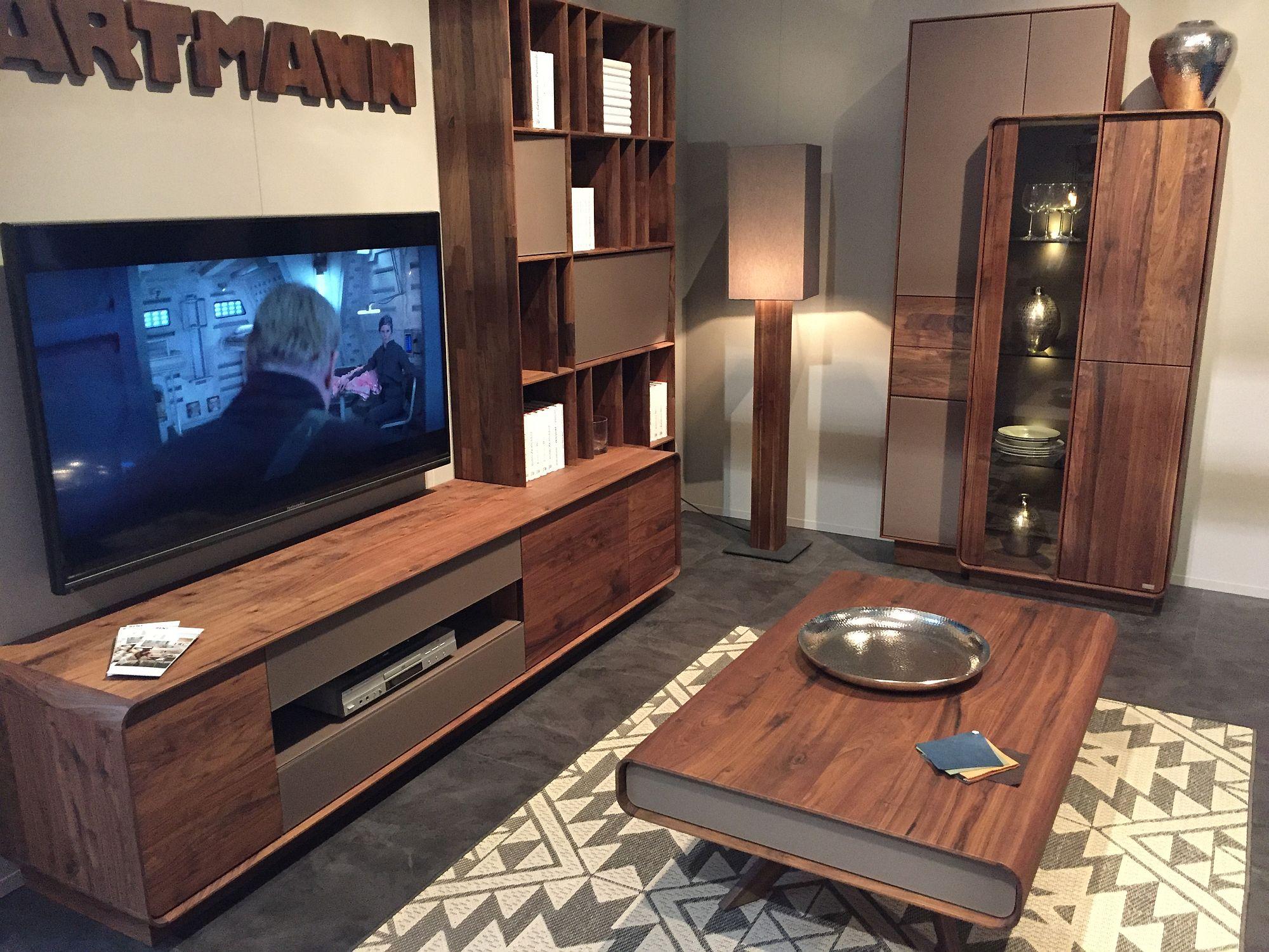 Kabinet dan rak tv kayu jimat ruang inspirasi Hartmann