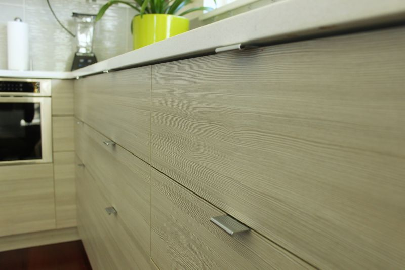 Pandangan sudut pintu kabinet dapur