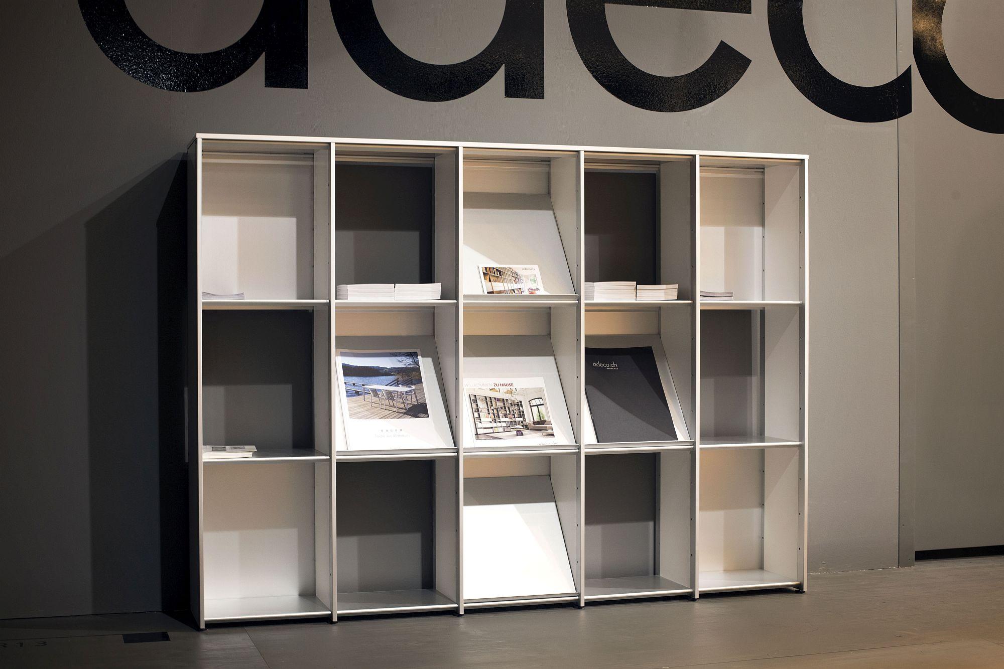 Rak buku kontemporari untuk ruang pejabat di rumah