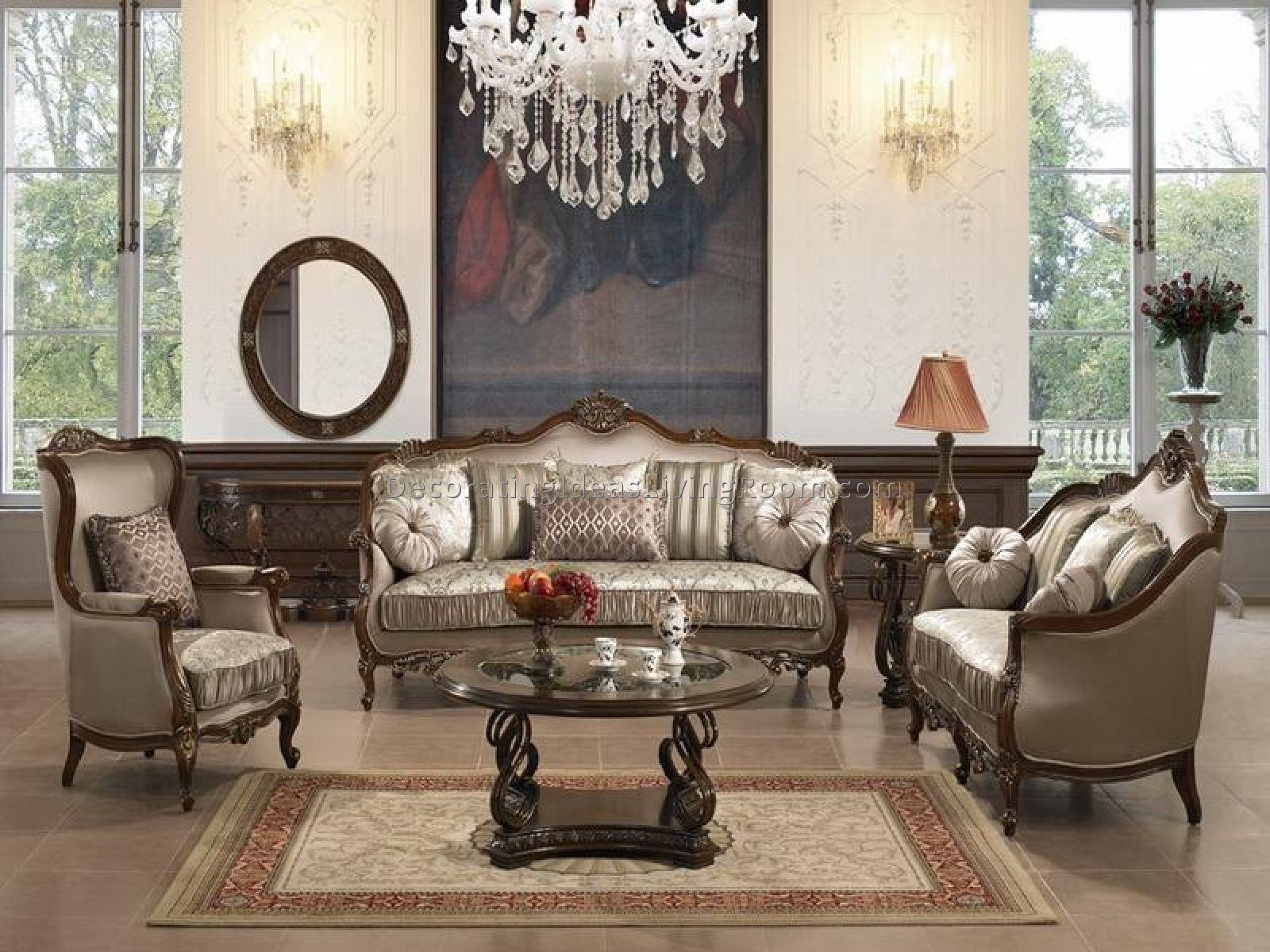 Ruang Tamu Klasik Dengan Set Perabot Gaya Victoria