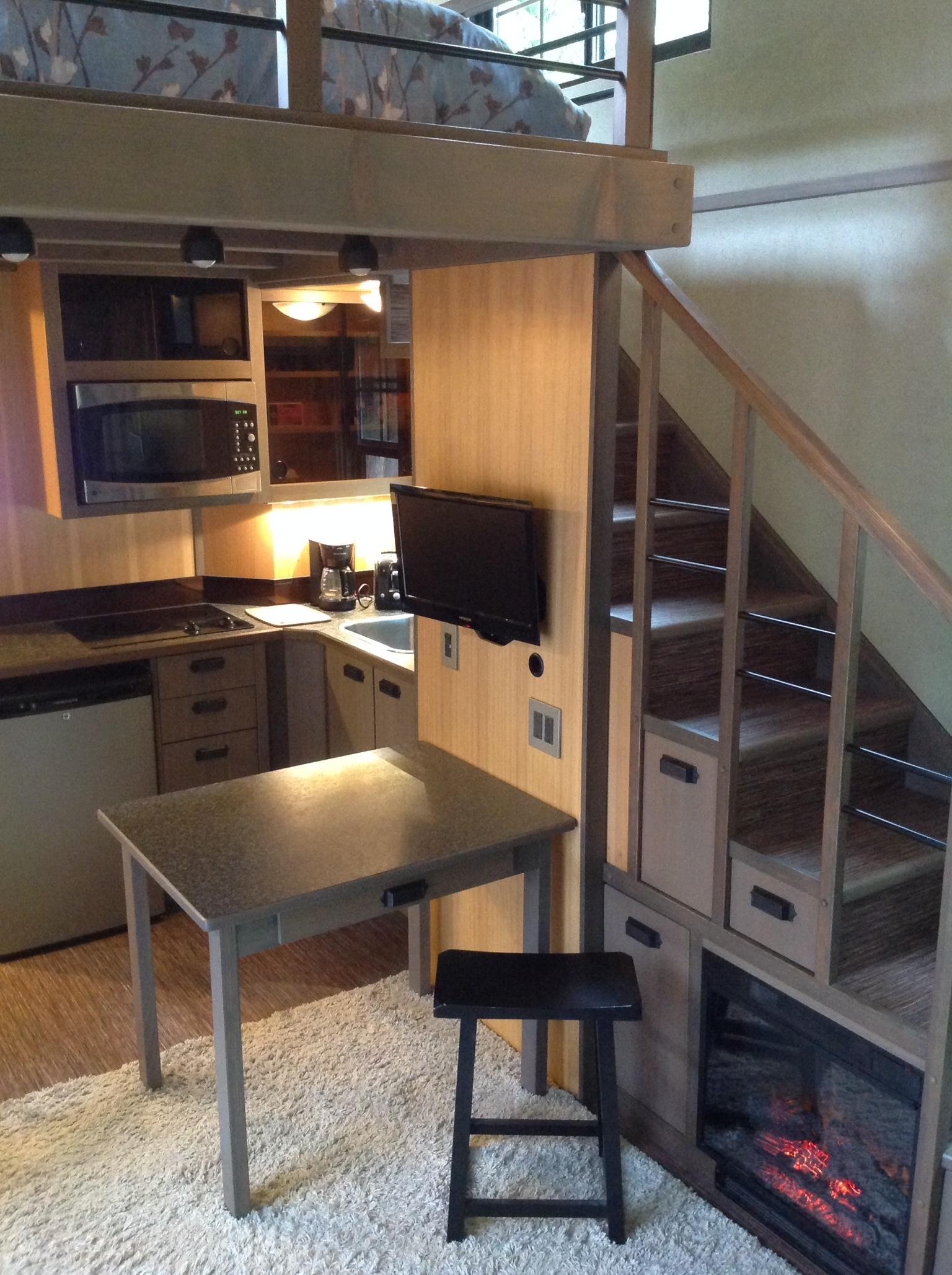 View In Gallery Ruang Dapur Rumah Kecil English Style Siap Dengan Pendiang