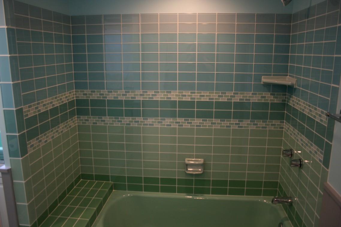 Susunan mozek gaya running bond untuk idea tile bilik air