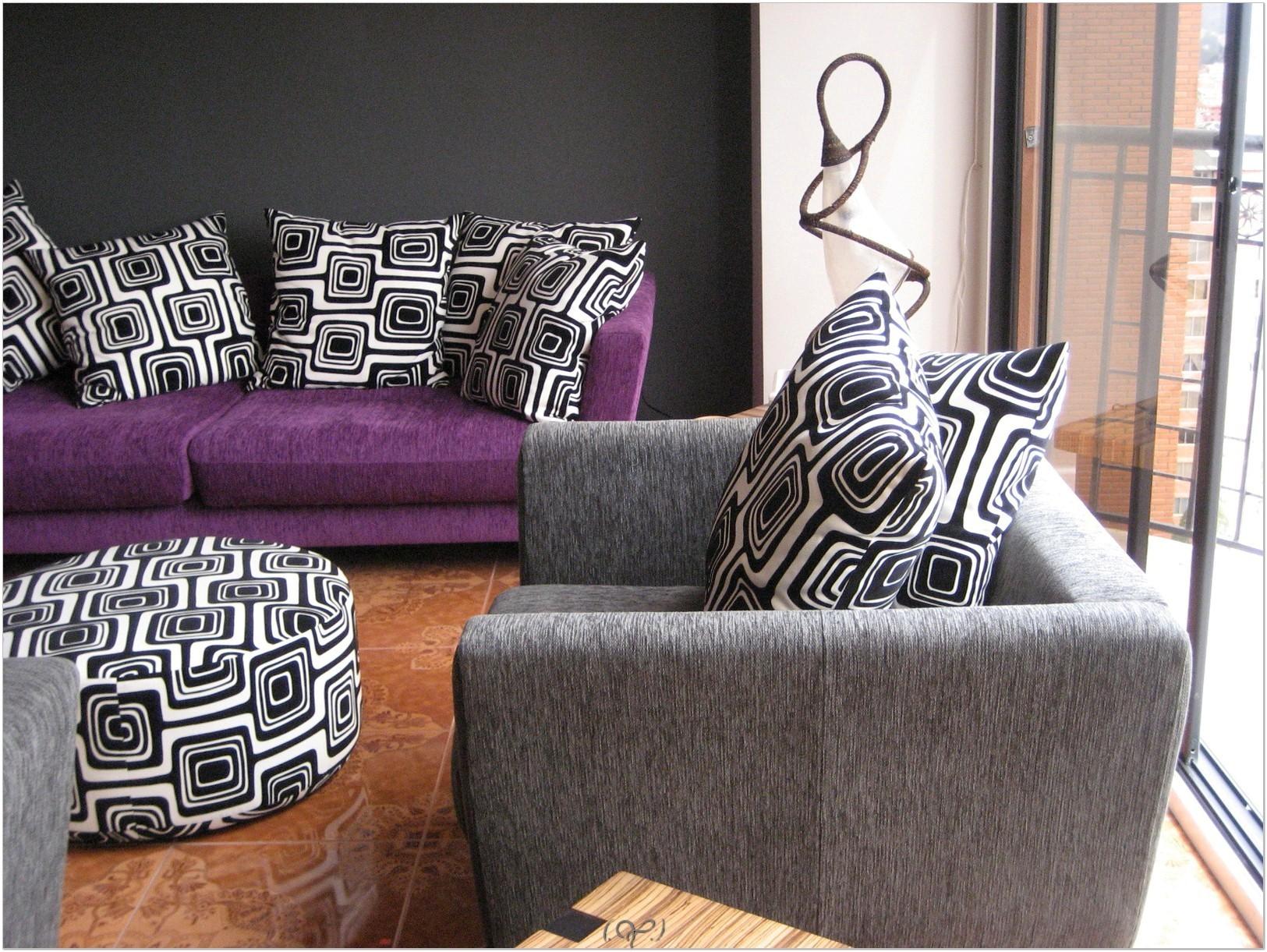 Anda juga boleh gunakan warna purple untuk perabot - pop warna ungu
