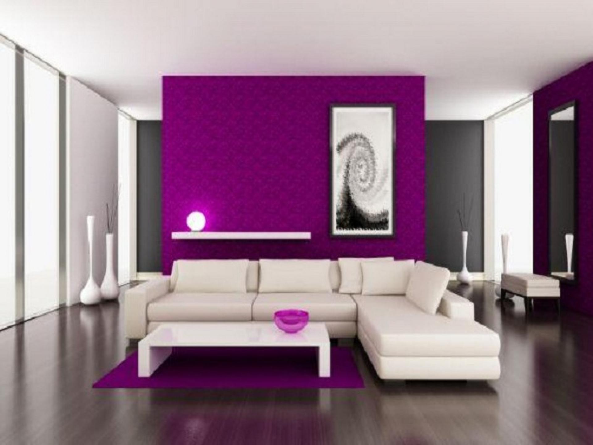 Idea ruang tamu ungu dengan gabungan perabot moden putih menjadikan ruang lebih eksklusif