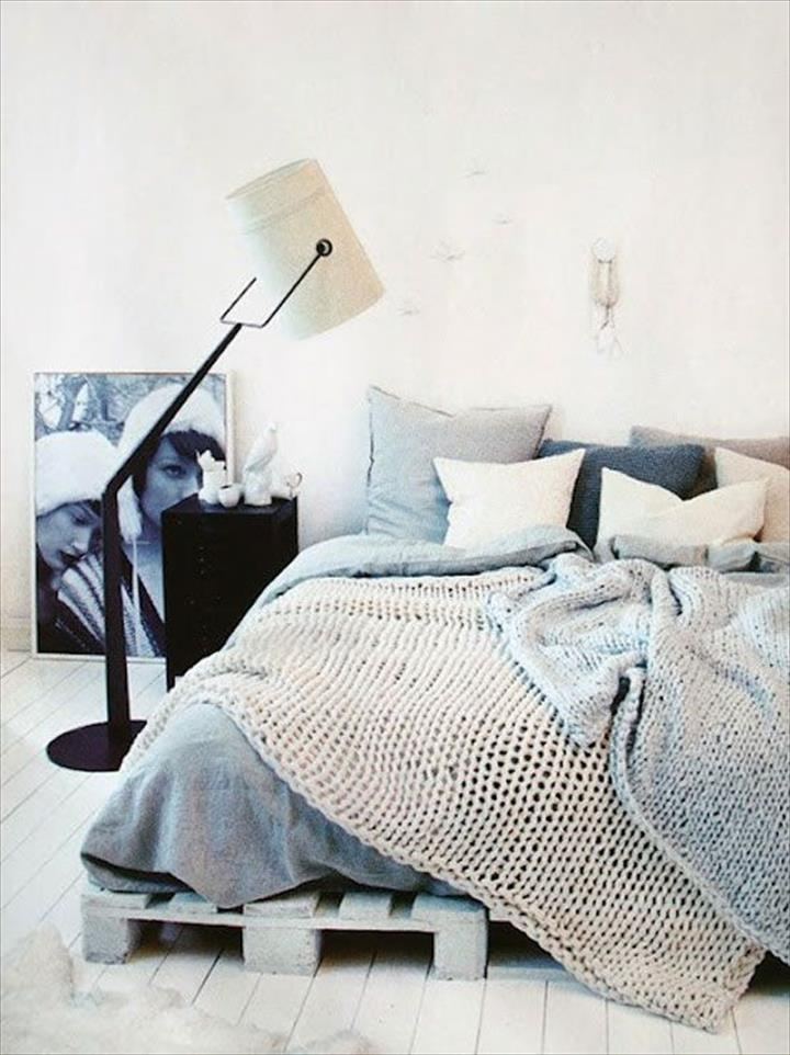 Katil kayu pallet dengan konsep moden