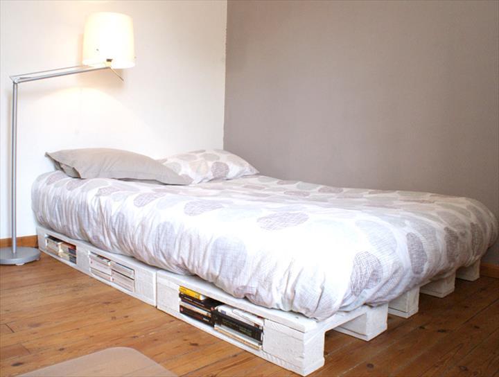 Katil kayu pallet warna putih siap dengan storage