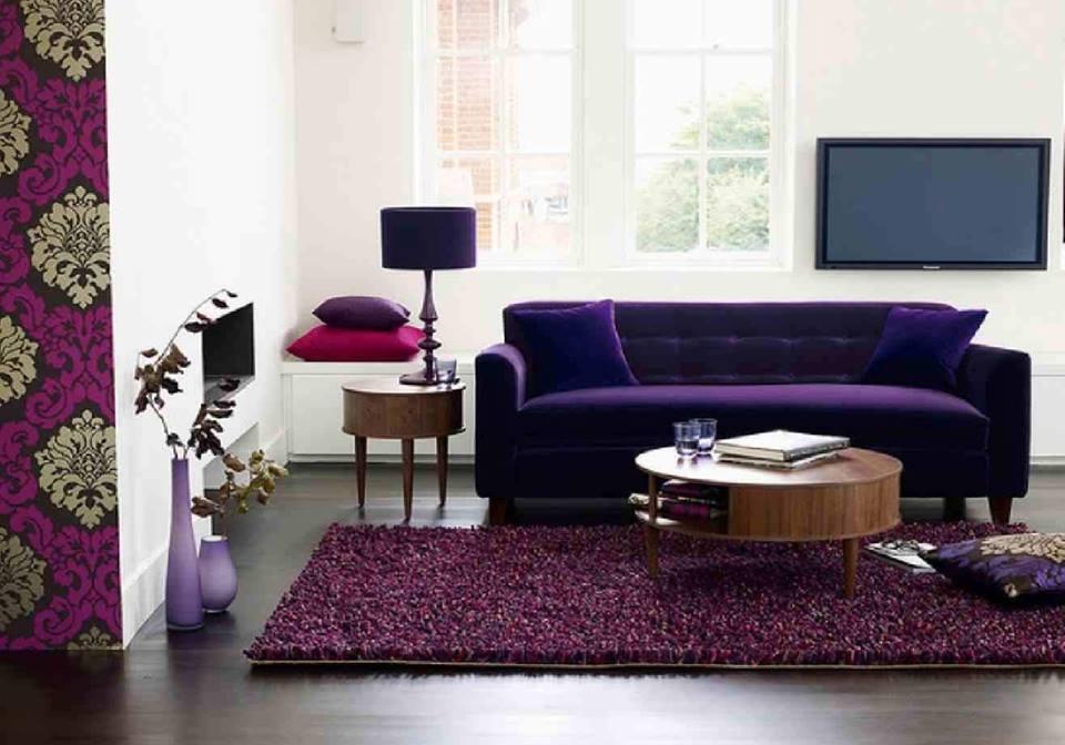 Pop warna ungu hanya pada sofa dan karpet