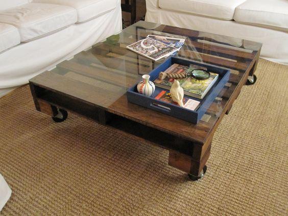 Meja jepun dari kayu pallet siap dengan alas cermin