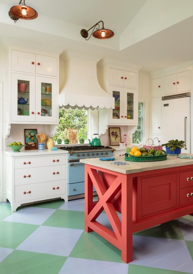 Dapur tradisional dengan gabungan hijau dan merah