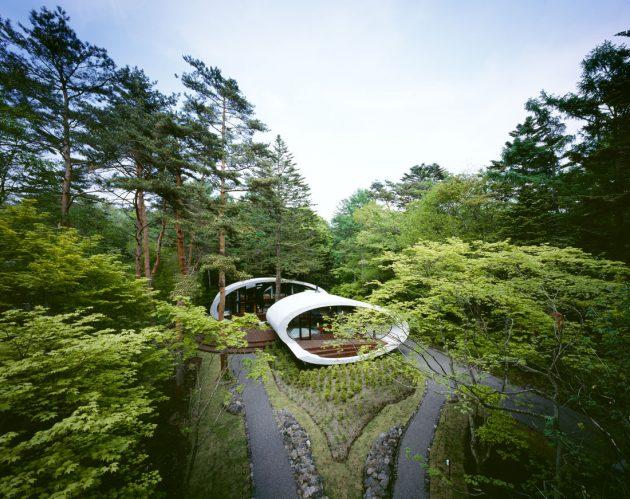 Rekabentuk Shell House oleh Artechnic di Hutan Karuizawa Jepun (5)