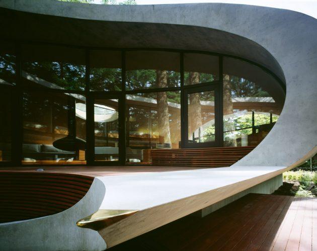 Rekabentuk Shell House oleh Artechnic di Hutan Karuizawa Jepun (9)